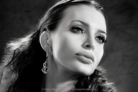 Glamorous 40s style portrait